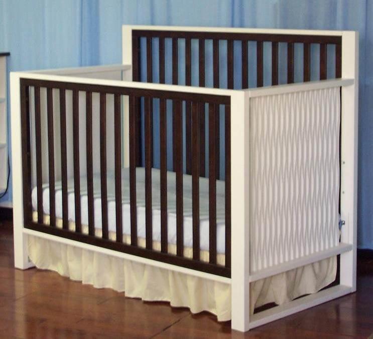 Moderno Crib in White