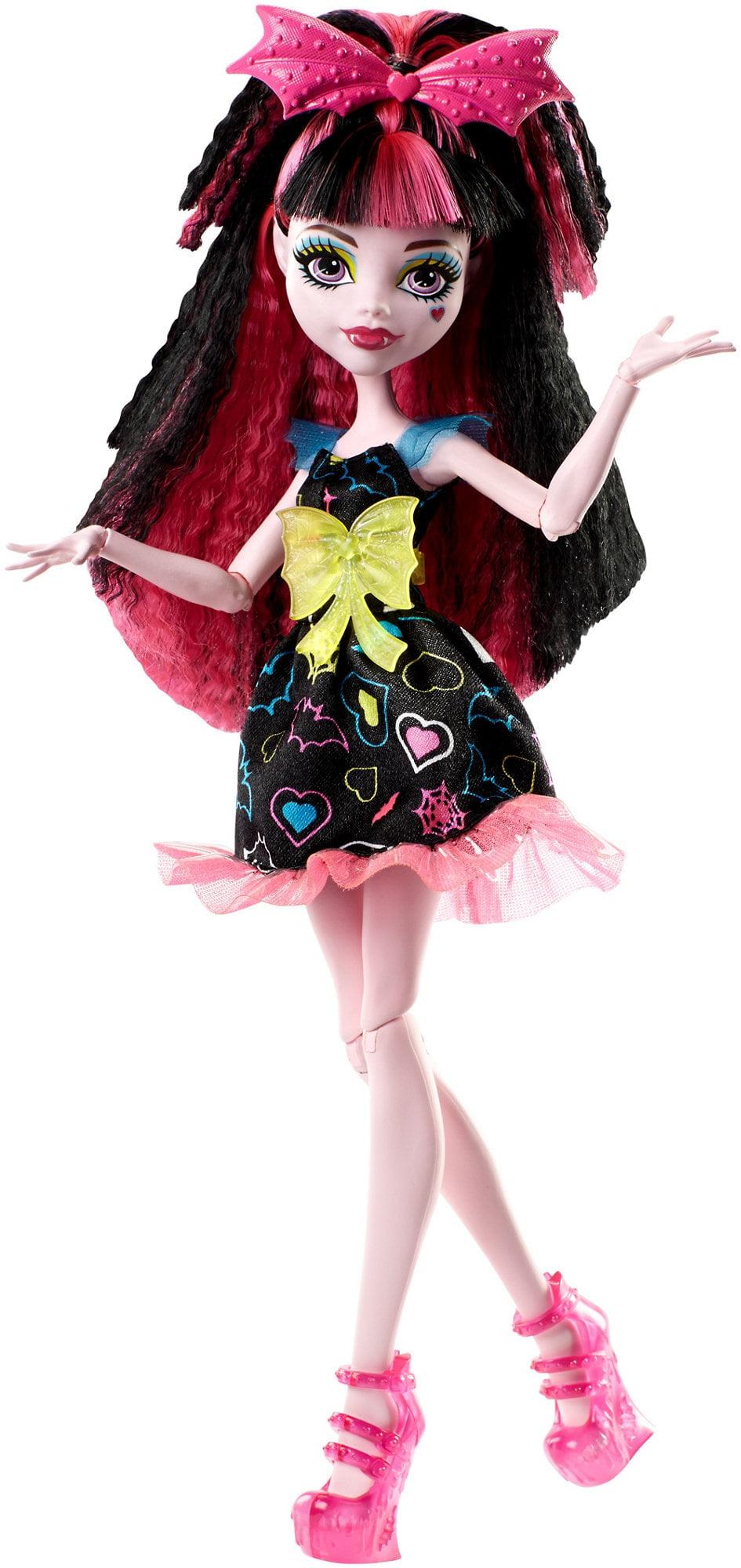 Monster High Electrified Hair-Raising Ghouls Draculaura Doll by Mattel
