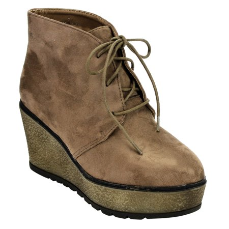 EJ32 Women's Lace Up Platform Wedge Chukka Ankle Booties Half Size Small