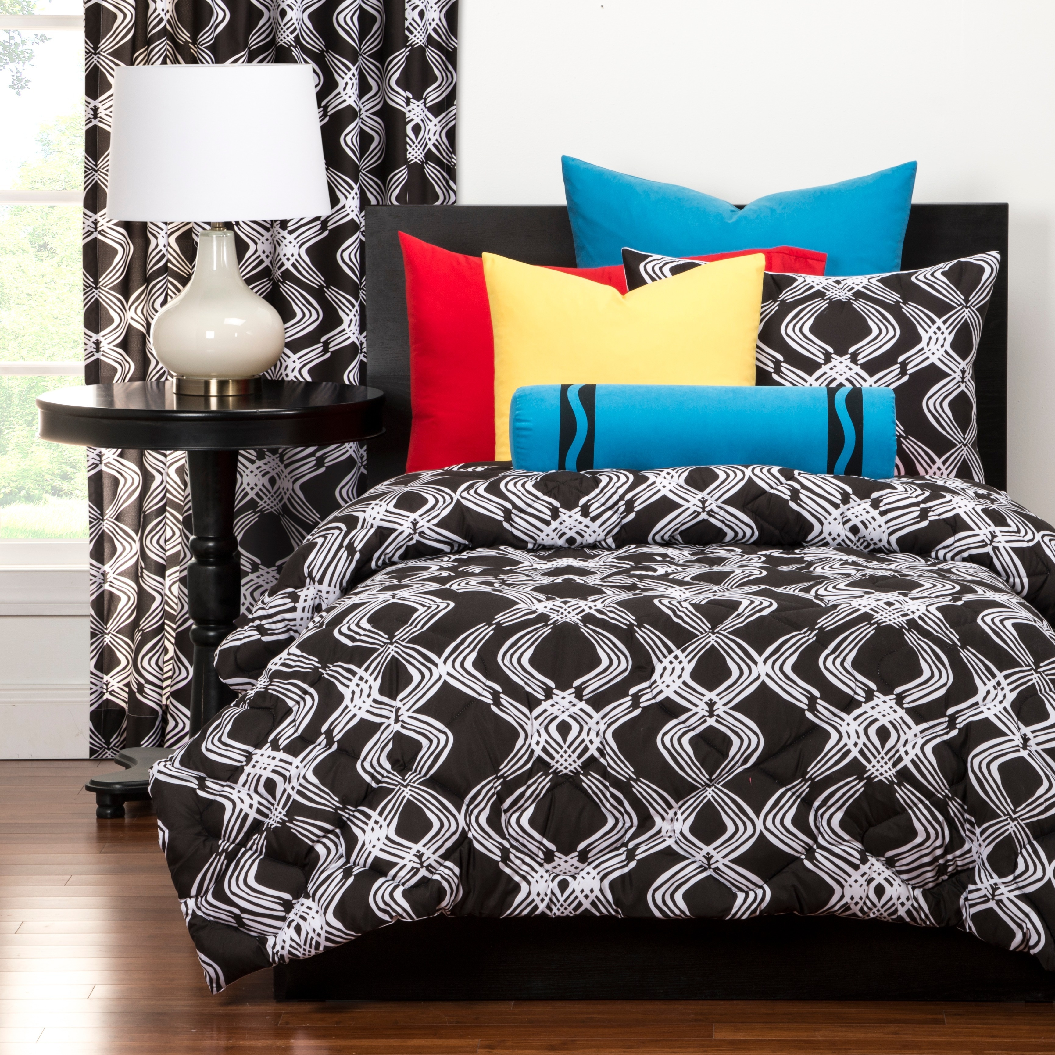 Crayola Infinity Full/Queen Comforter set