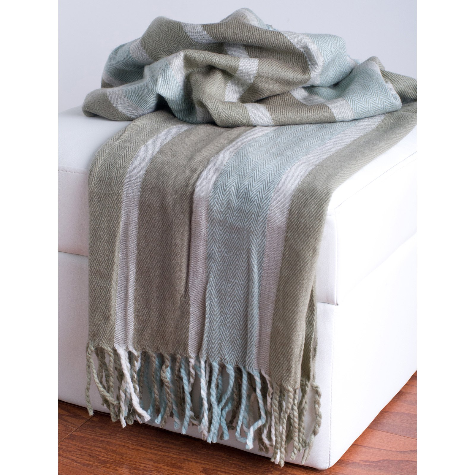 Rizzy Home Loom Woven Beige & Blue Luxury Throw Blanket