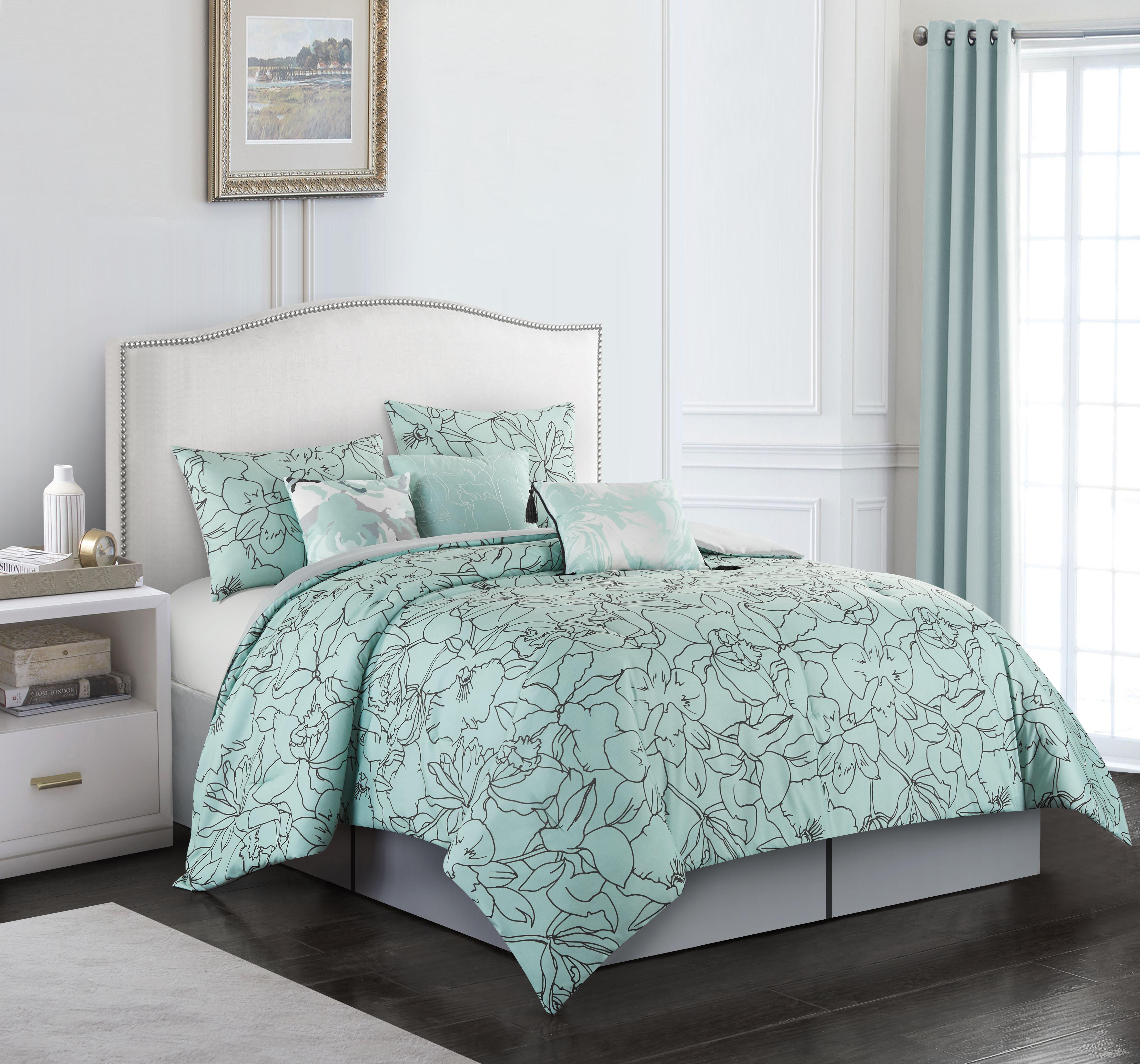 Nanshing Cattleya 7-Piece Comforter Set