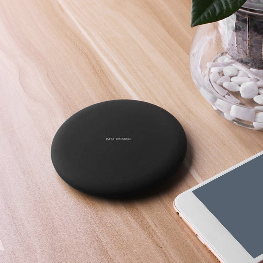 Ultra Slim Round Qi Wireless Charging Pad Fast Charger for Qi-enabled Devices 1.5A 10W Portable Mobile Phone Power Charger