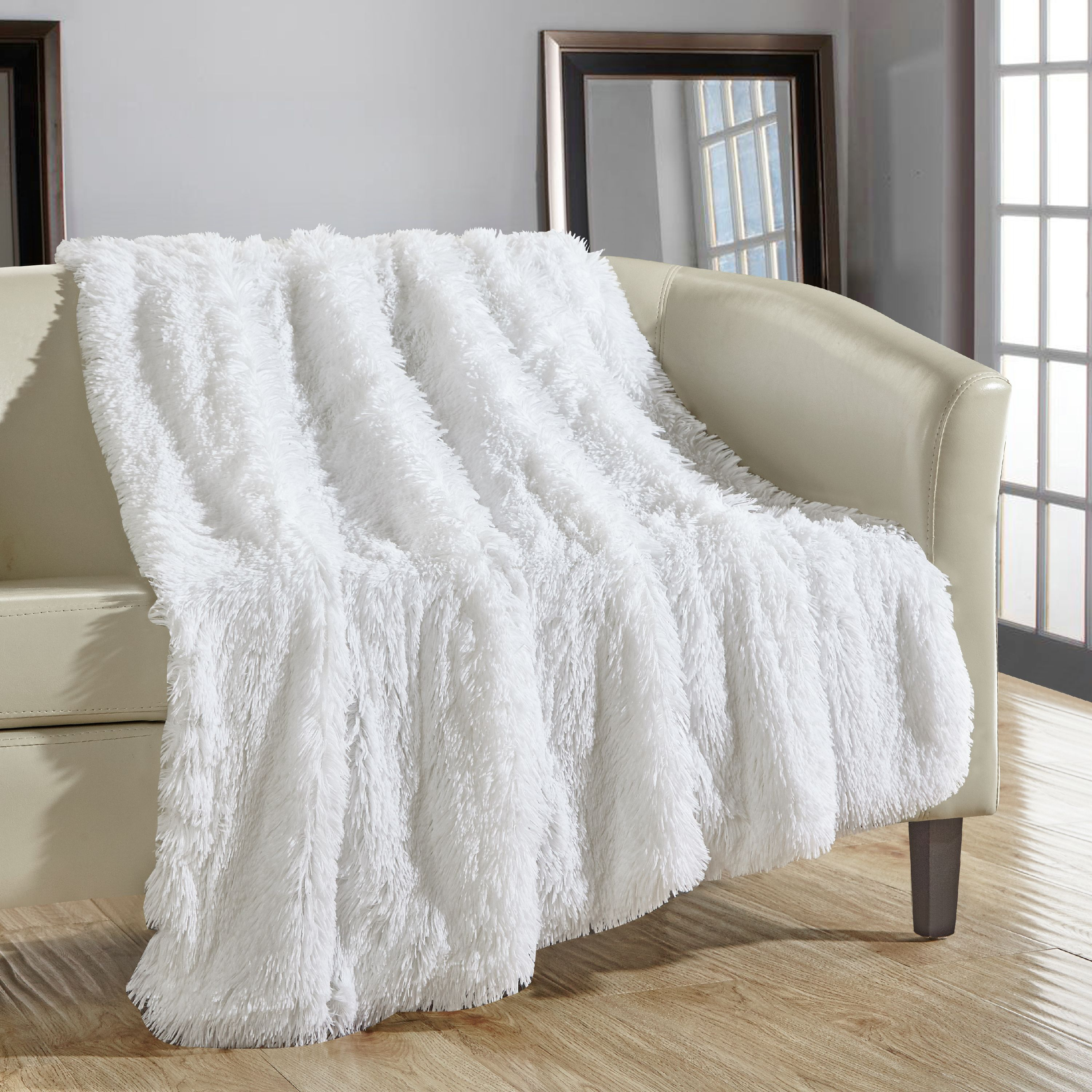 "Chic Home 1-Piece Juneau Shaggy Faux Fur Super soft Ultra Plush Decorative Throw Blanket 50 x 60"", Beige"