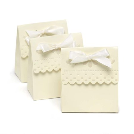 Le Prise White Scalloped Favor Boxes