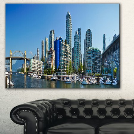 DESIGN ART Beautiful View of Vancouver' Cityscape Photo Canvas Print - Blue