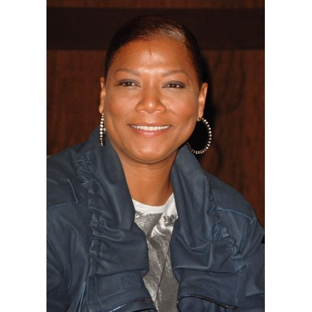 Queen Latifah At In-Store Appearance For Queen Latifah Signs Copies Of Put On Your Crown The Grove At Farmers Market Los Angeles Ca July 1 2010 Photo By Dee CerconeEverett Collection Photo Print ()