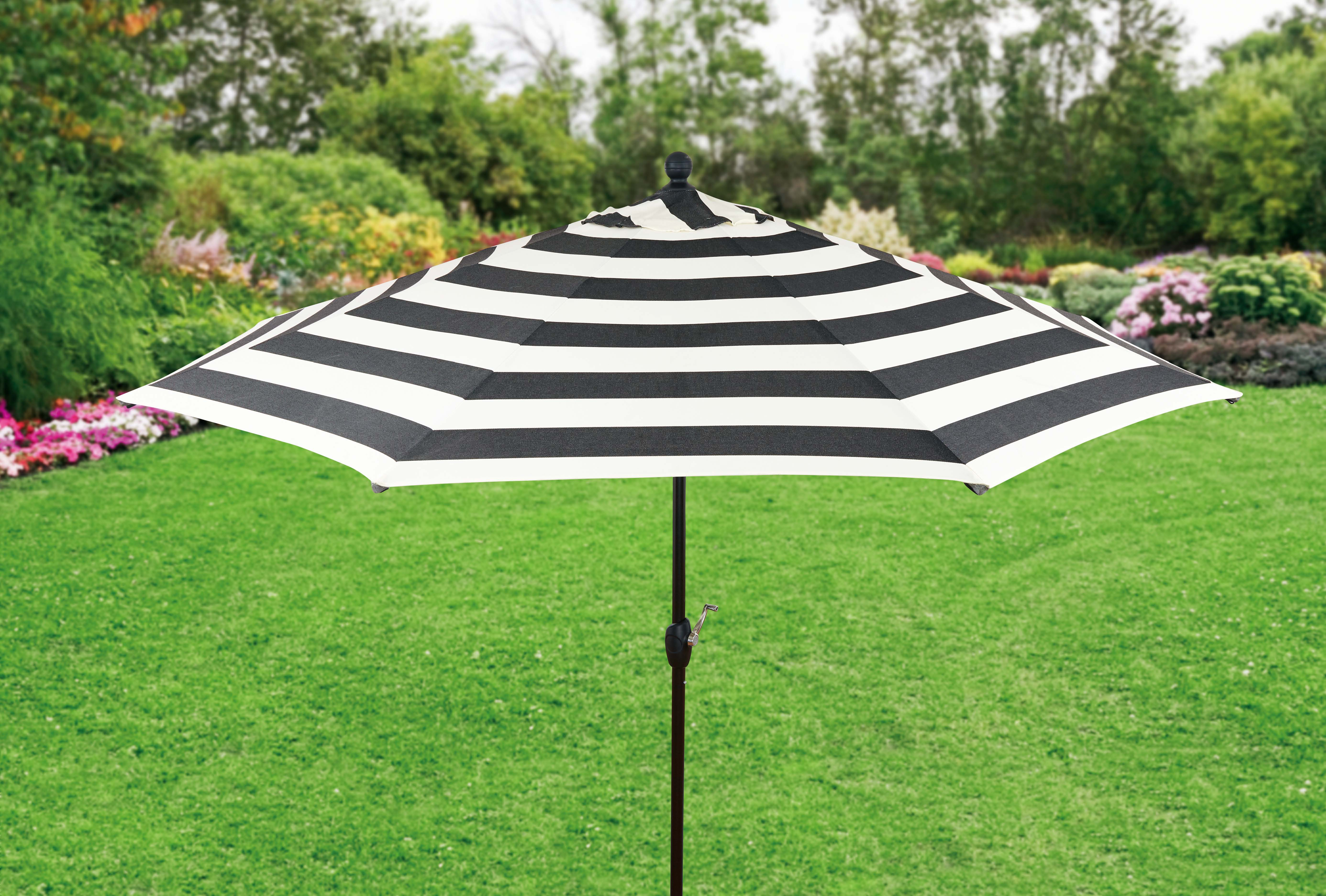 Better Homes and Gardens 9ft. Aluminum Market Umbrella, Cabana Stripe by NINGBO EVERLUCK OUTDOOR PRODUCTS MANUFACTING CO LTD