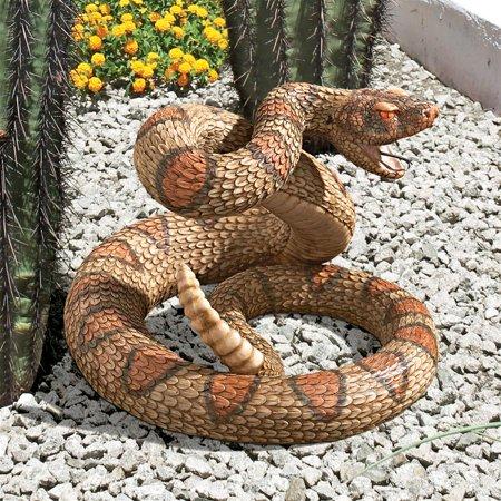 Design Toscano Western Diamond Back Rattlesnake Statue