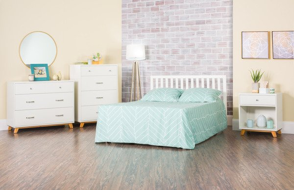 White//Natural Forever Eclectic by Child Craft SOHO 4-in-1 Convertible Crib White//Natural