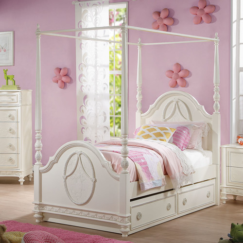 ACME Furniture Dorothy Four Poster Bed