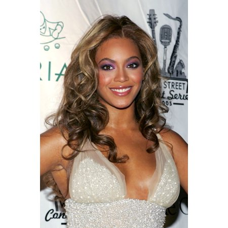 Beyonce Knowles At Arrivals For The Cipriani Wall Street Concert Series Finale With Beyonce Canvas Art - (16 x 20)