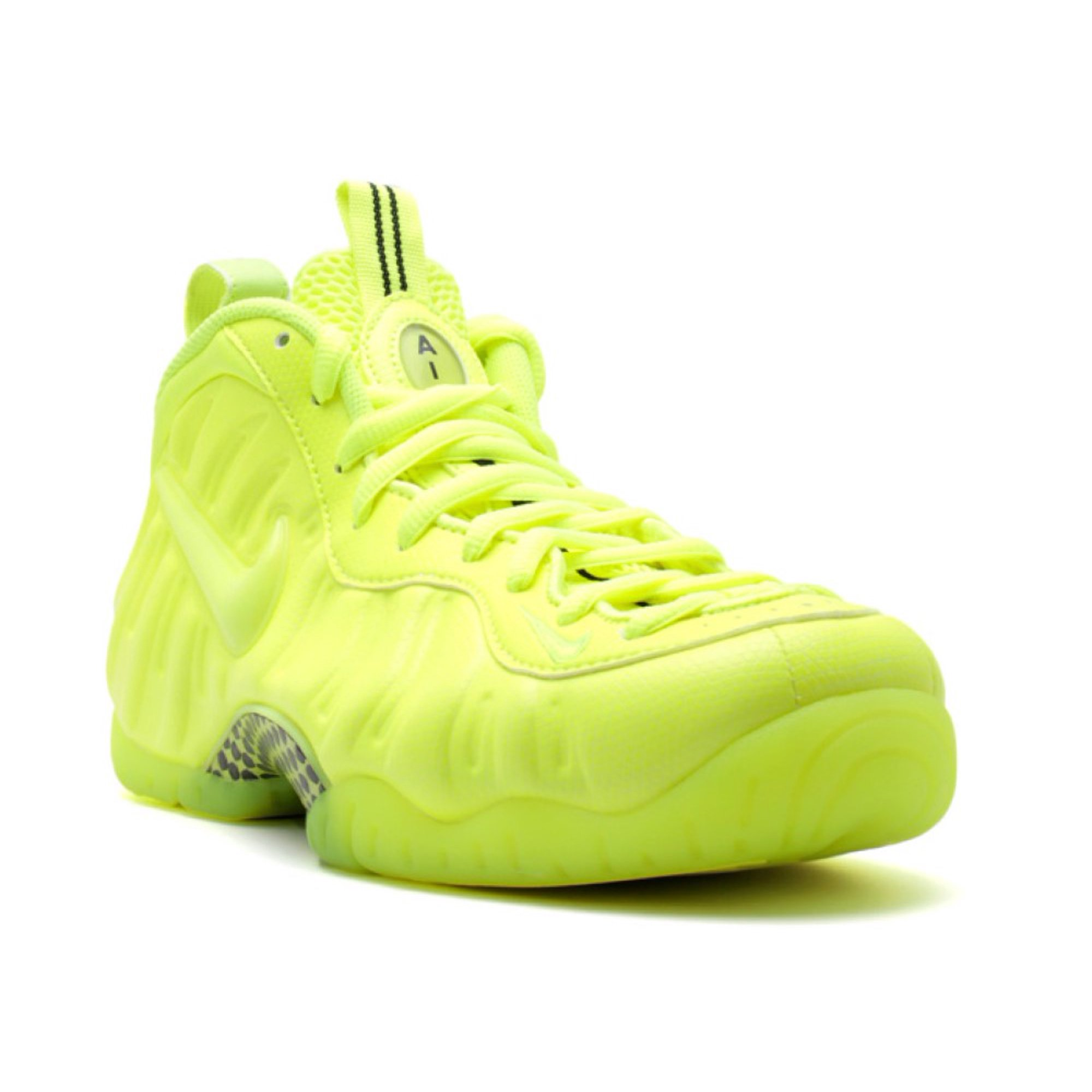 superior quality b0f6a 4d283 Nike - Men - Air Foamposite Pro 'Volt' - 624041-700 - Size 9