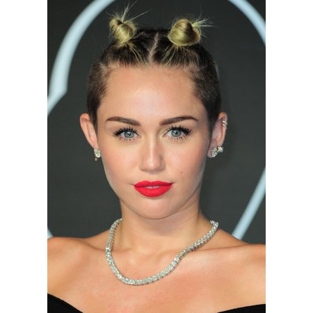 Miley Cyrus At Arrivals For Mtv Video Music Awards   2013 Vmas   Part 1 Canvas Art     16 X 20
