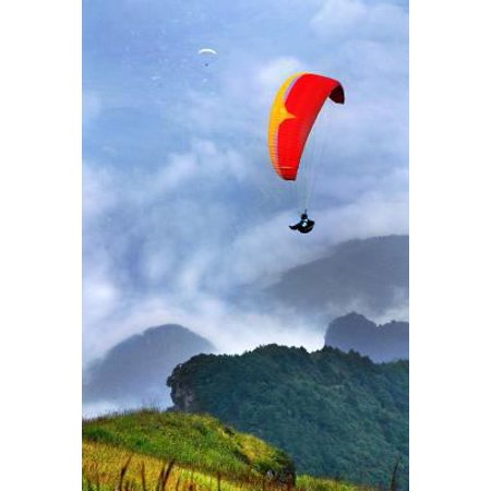 The Paragliding Journal: 150 Page Lined Notebook/Diary