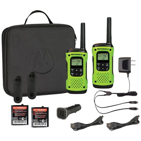 Motorola T605 35-Mile Talkabout H2O 2-Way Radios & Single-Pin Earpiece with Boom Microphone for Talkabout Radios ()