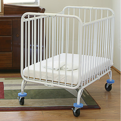 L.A. Baby Deluxe Holiday Folding Portable Crib by L.A. Baby