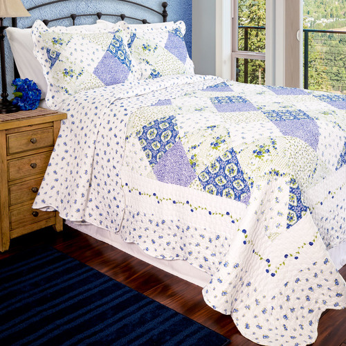 Pegasus Home Fashions Vintage Wilmington Quilt Set