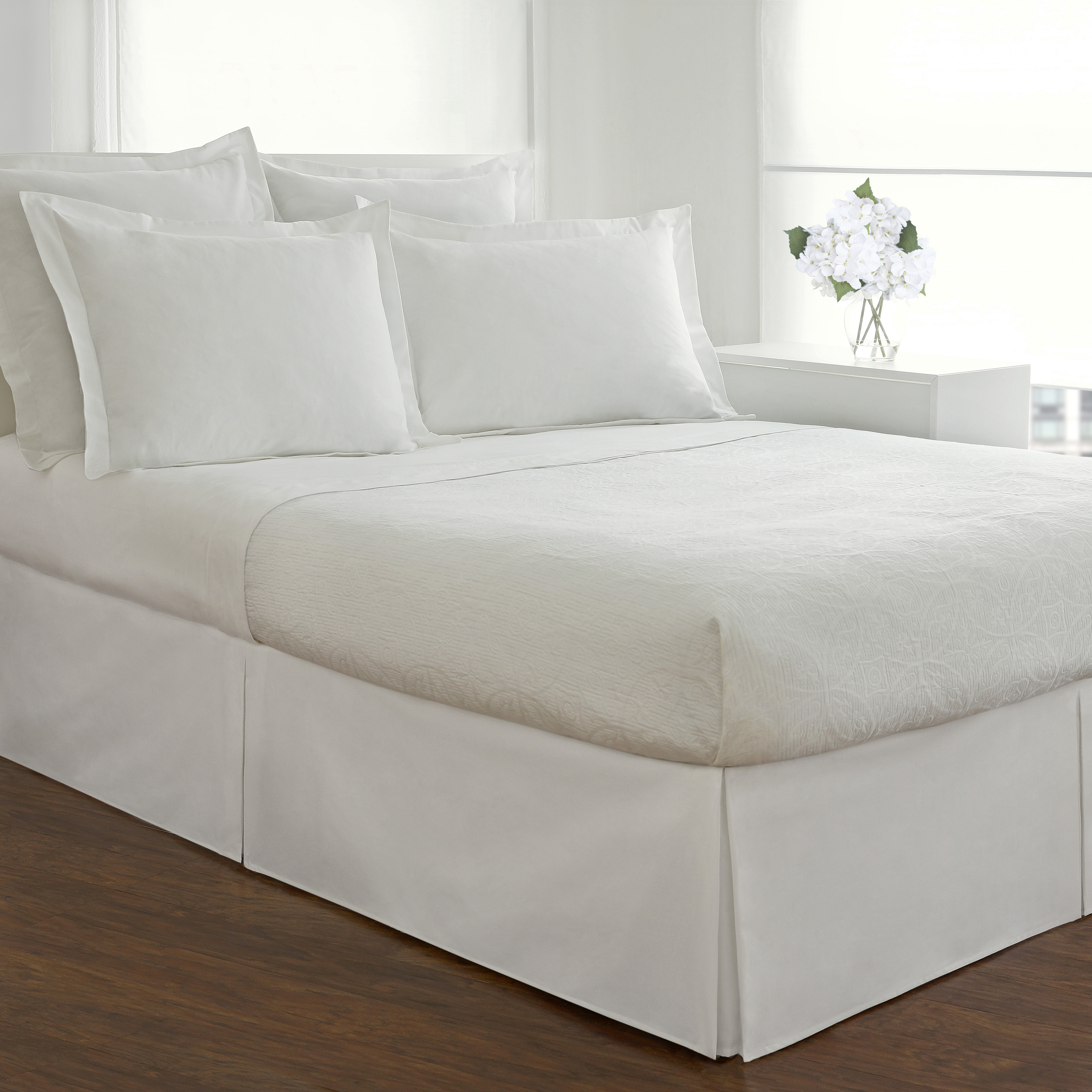 Wrinkle Resistant Cotton Blend 600 Thread Count Scroll Park Navy 15 Inch Drop King Bed skirt Set