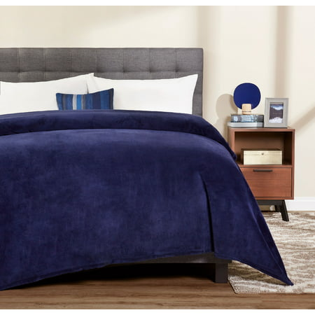 Mainstays Plush Queen Navy Bed Blanket, 1 Each