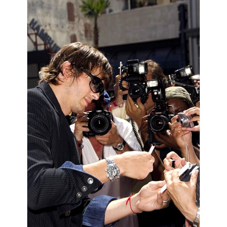 Ashton Kutcher At The Induction Ceremony For Kevin CostnerS Hand And Footprint Ceremony GraumanS Chinese Theatre Hollywood Ca September 06 2006 Photo By Michael GermanaEverett Collection Celebrity](Hand And Footprint Art For Halloween)
