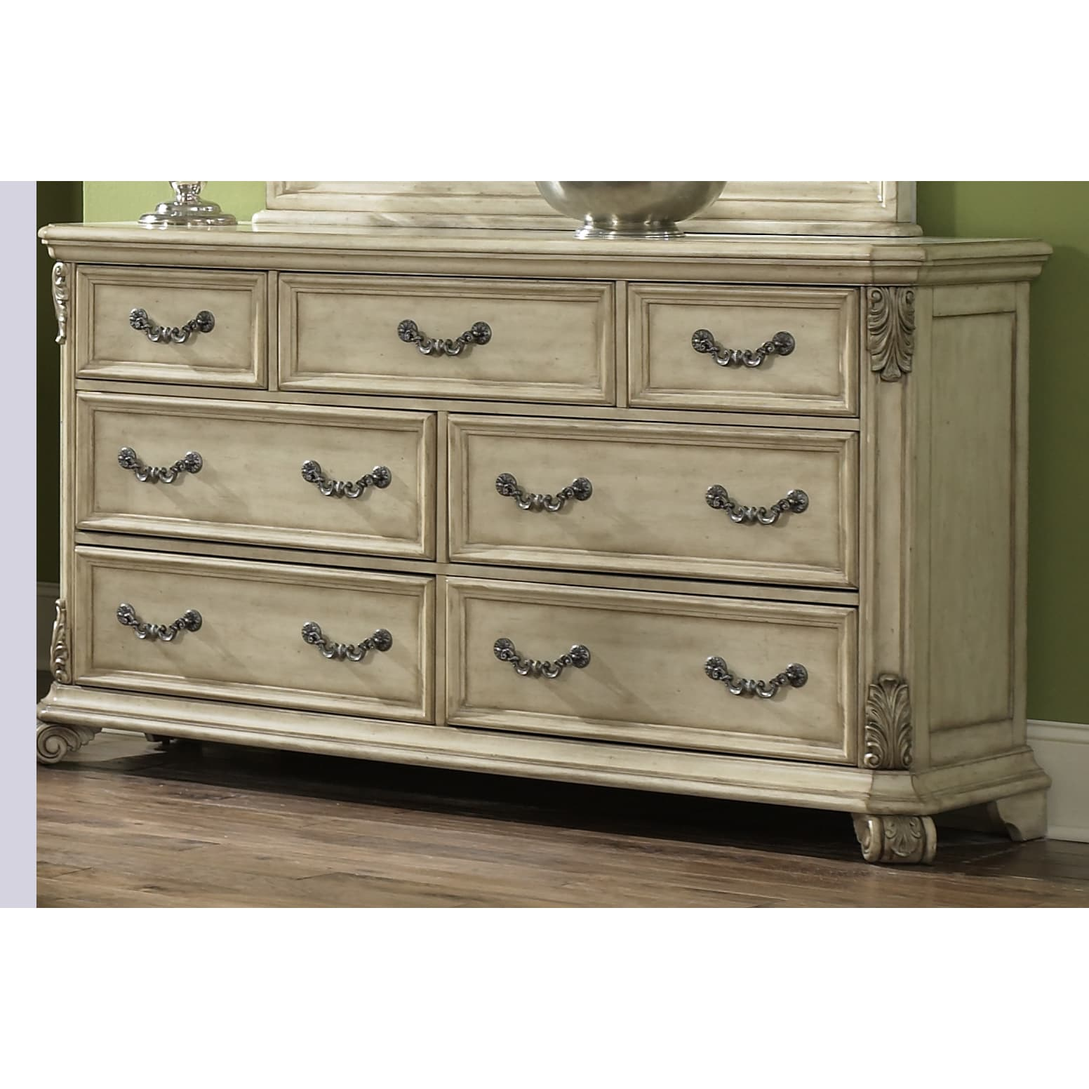Liberty Messina Estates II Antique Ivory 7-drawer Dresser