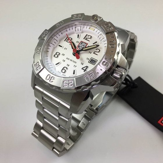 10633a64d65d5 Luminox 3258 men s Navy Seal Steel 3250 white dial steel watch is brand new  and comes in an original Luminox gift box and is backed by a 2 year limited  ...
