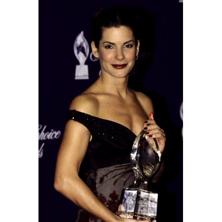 Sandra Bullock With Her PeopleS Choice Award January 1999 - Sandra Bullock Halloween