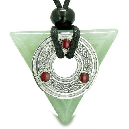 Amulet Celtic Triquetra Knot Magic Powers Green Quartz Pendant Necklace
