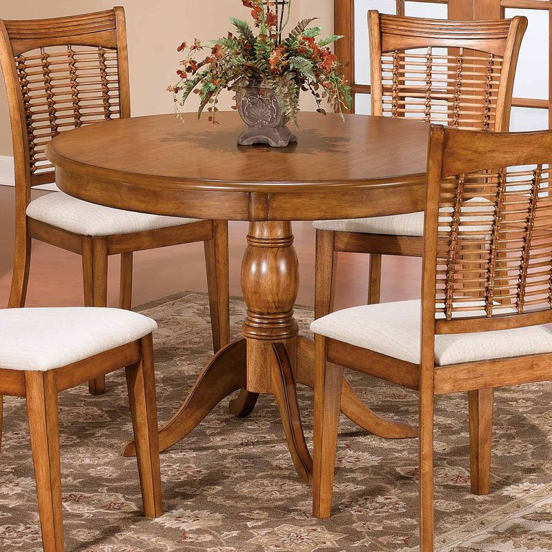 Hillsdale Bayberry 44 Inch Round Pedestal Dining Table Oak