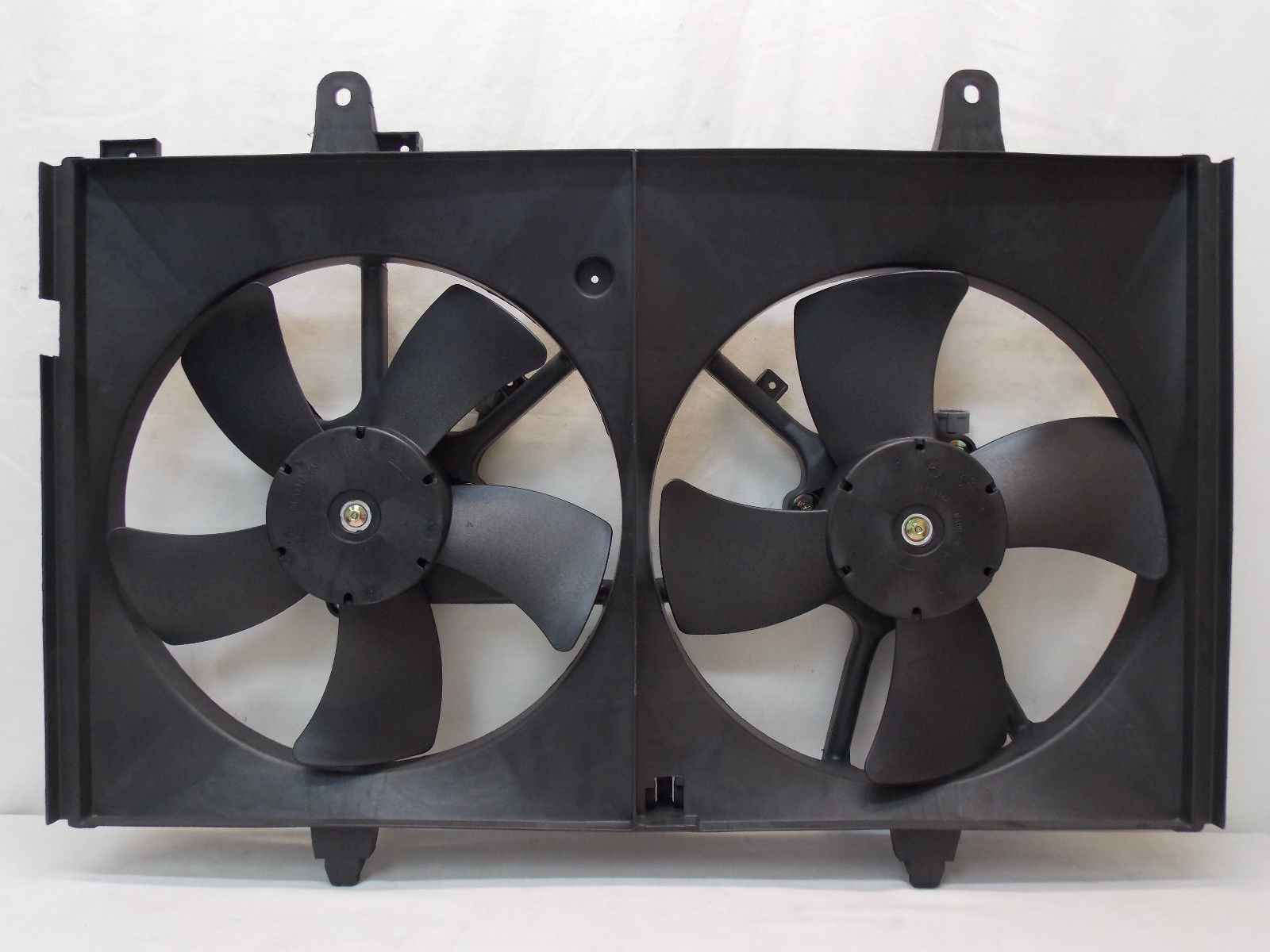 For 2003-2007 Nissan Murano Dual Radiator and Condenser Fan