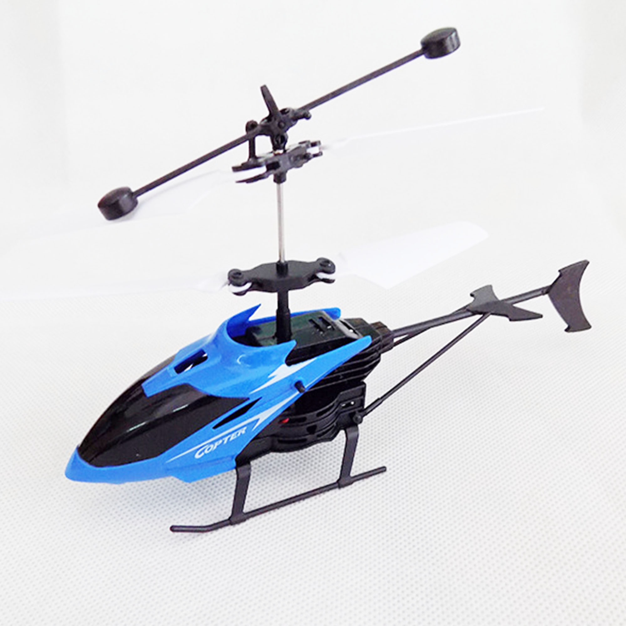 Helicopter with remote controller by Meulet