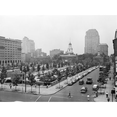 1950s Philadelphia Pa Usa Looking Southeast At Historic Independence Hall Building And Mall Rolled Canvas Art - Vintage Images (Independence Shopping Mall)