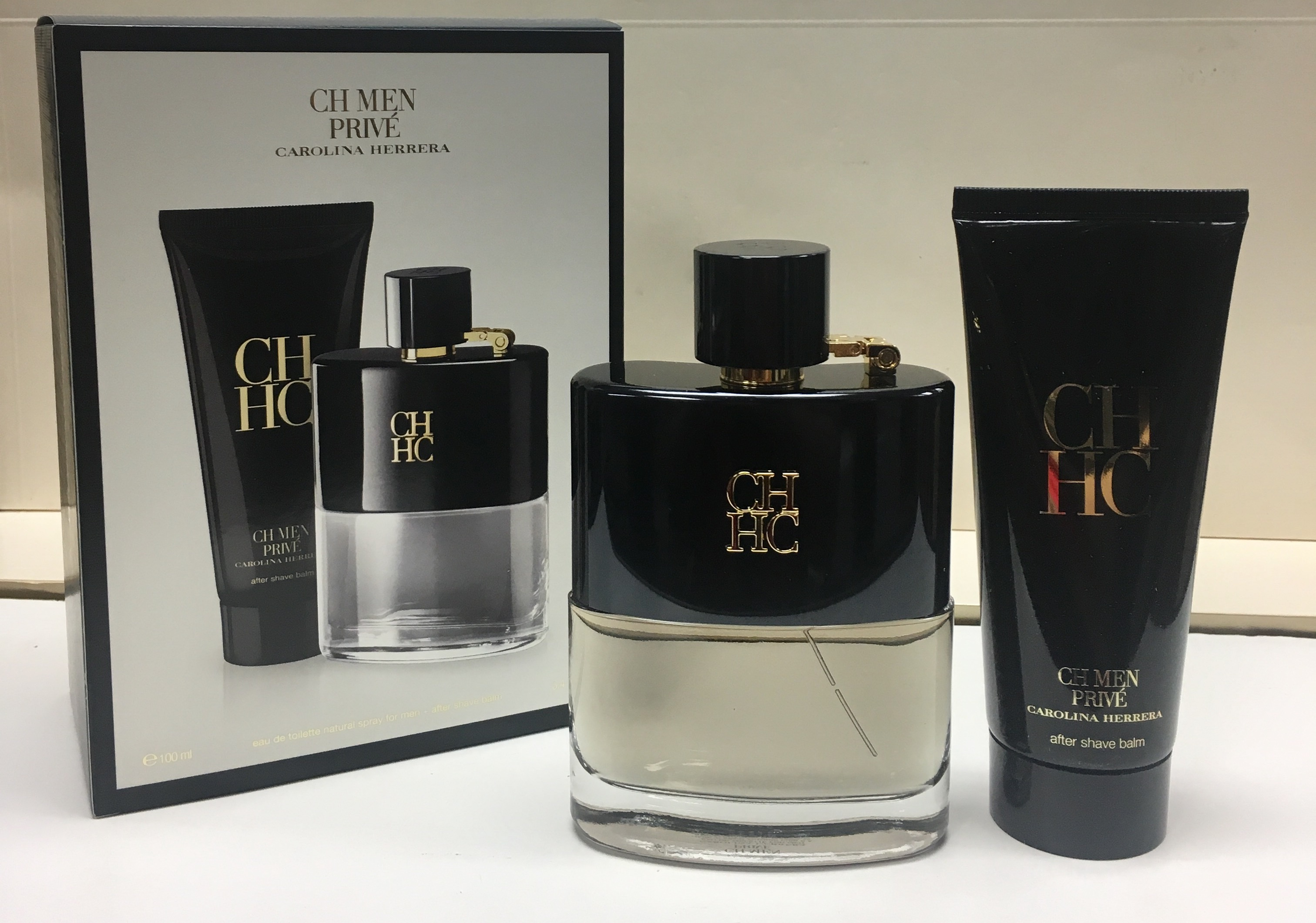 Carolina Herrera - Carolina Herrera, CH Men Prive, Eau de Toilette, 2 Piece  Gift Set for Men - Walmart.com 06a48fe5a0