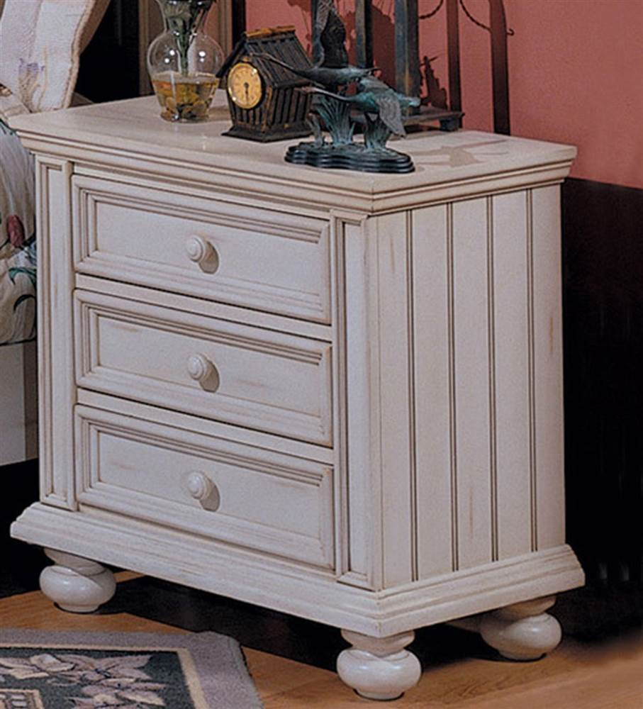 Cape Cod Bun Foot 3 Drawer Nightstand