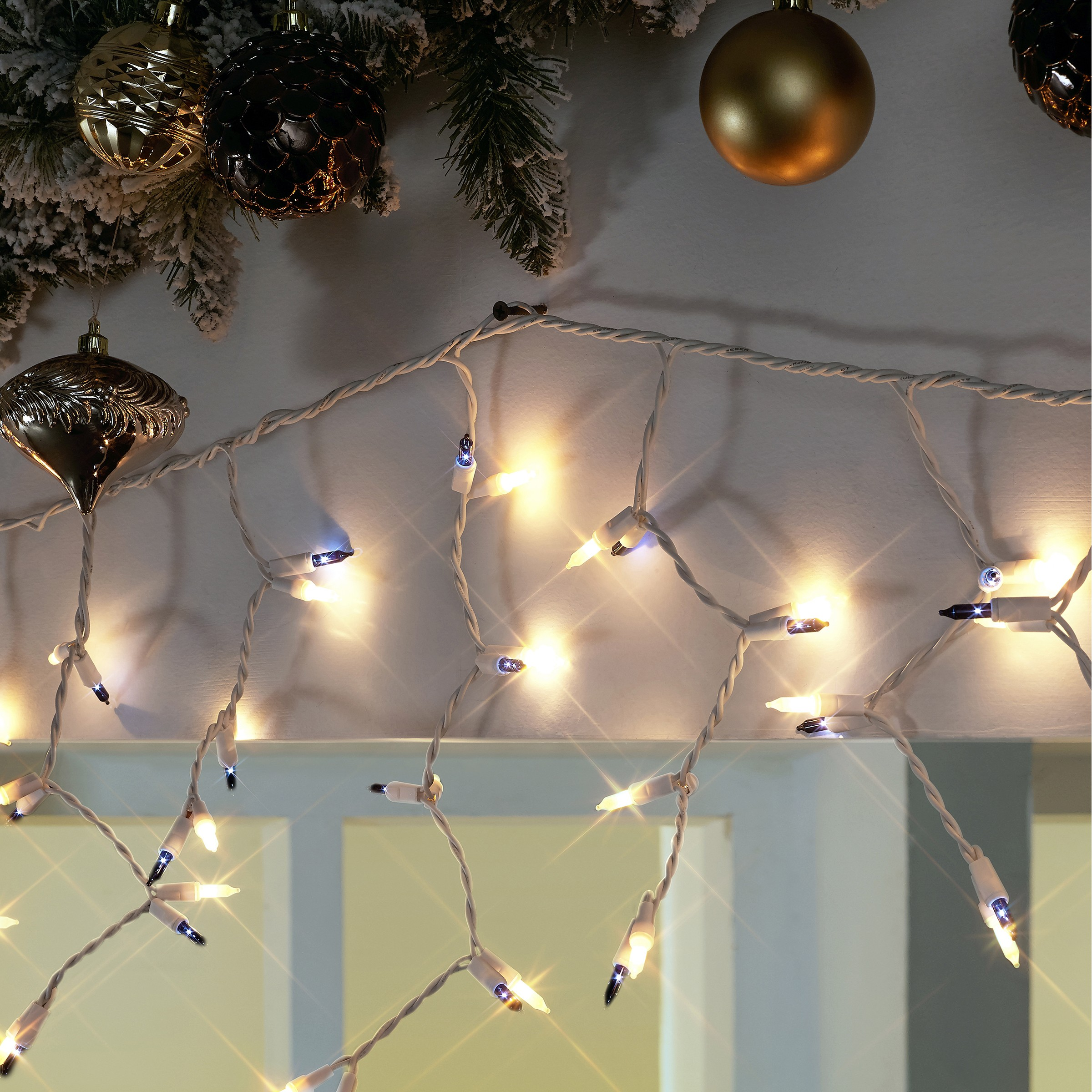 Holiday Time 300 Clear Icicle Lights 18 Ft Easy Installation Dancingledchristmaslightcircuit