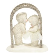 Department 56 Snowbabies 4039774 A Kiss For Luck Retired