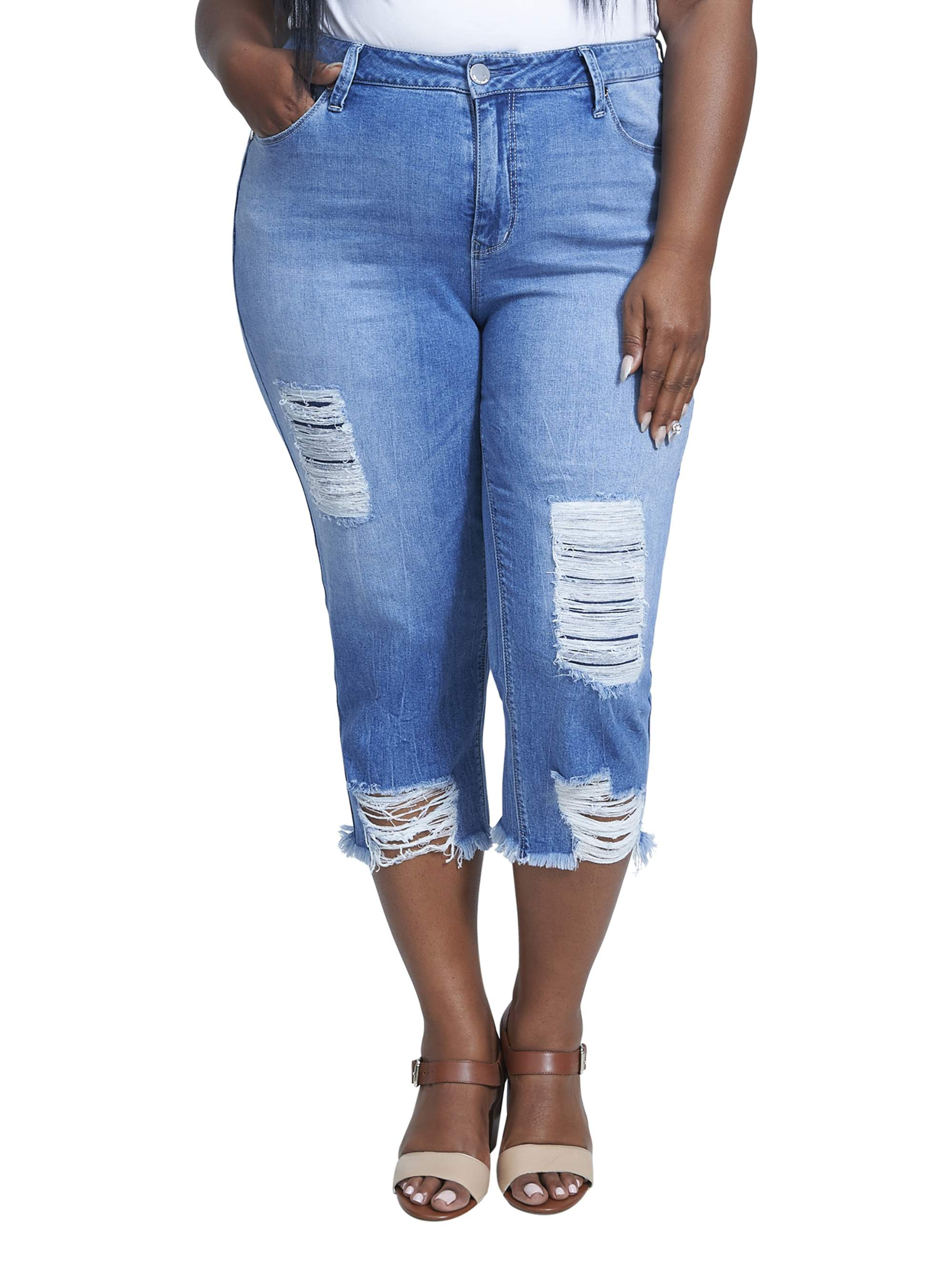 Women's Plus Size High Rise Crop with Destructed Hem