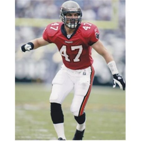 John Lynch Unsigned Tampa Bay Bucs 8X10 Inch Photo