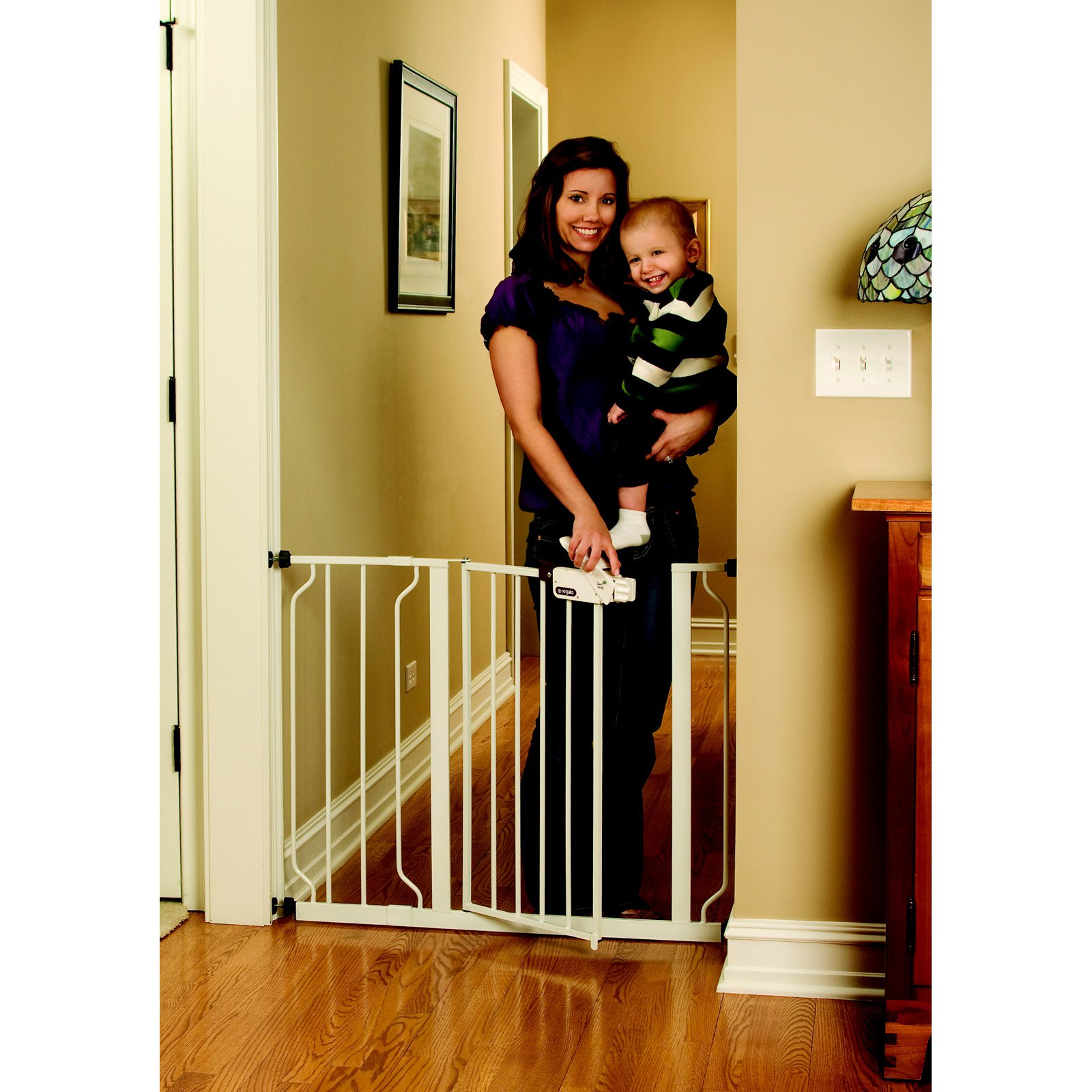 Regalo Easy Step Extra Wide Metal Walk Through Safety Gate