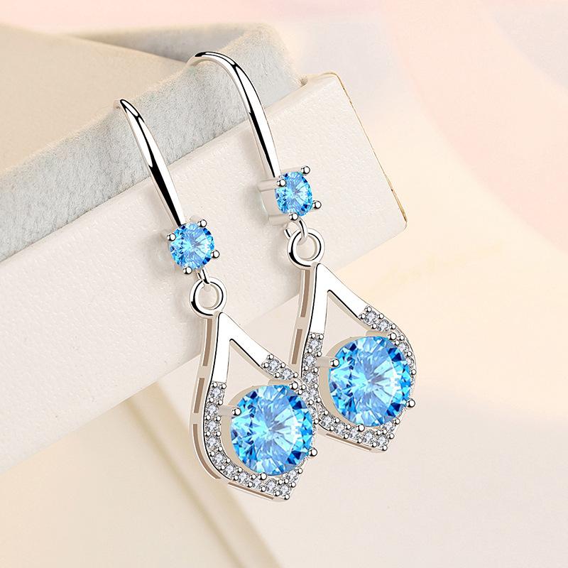 Details about  /Wond er Woman Dangle Earrings