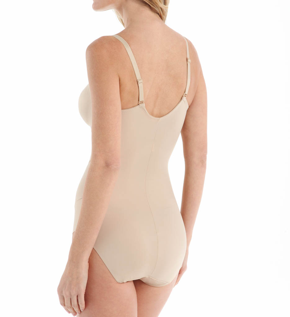 f36b276c78e Miraclesuit - Miraclesuit 2802 Comfort Leg Molded Cup Bodybriefer -  Walmart.com