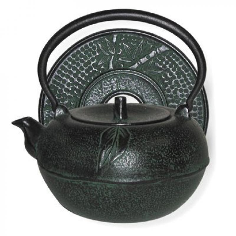 Large Green Apple Cast Iron Stove Top Teapot with Trivet, 54 Oz Capacity