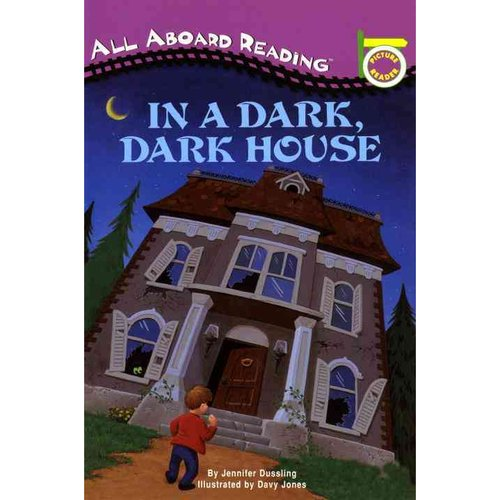 In a Dark, Dark House: A Picture Reader/With 24 Flash Cards
