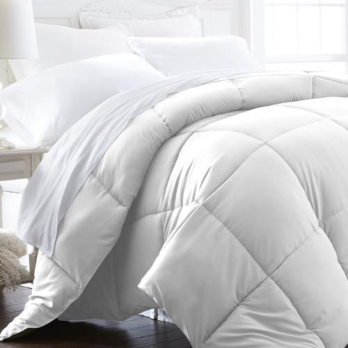 IEnjoy Home Becky Cameron Plush All Season Down Alternative Comforter