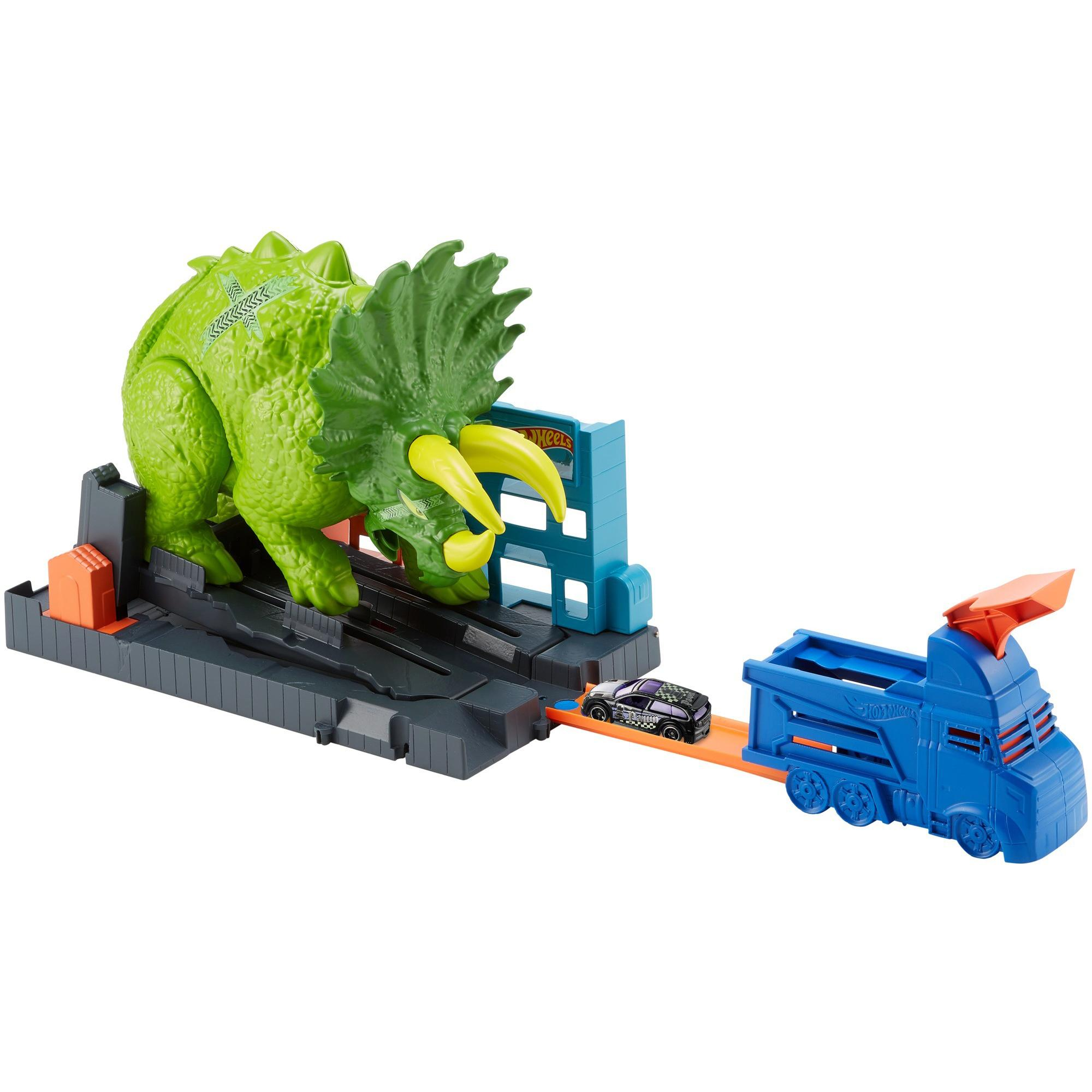 Hot Wheels Smashin' Triceratops Destructive Dino Playset
