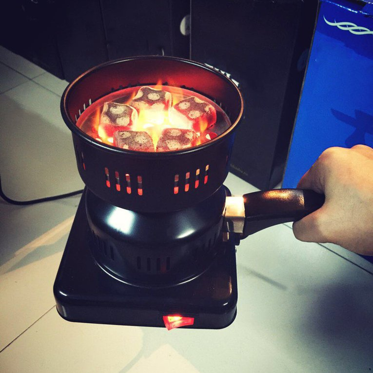 650W Metal Electric Charcoal Burner Including Removable Tray + Tongs Thickened Charcoal Stove
