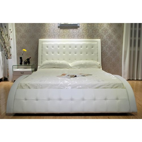 Greatime B1136-2 Eastern King White Wave-like Shape Upholstered Bed