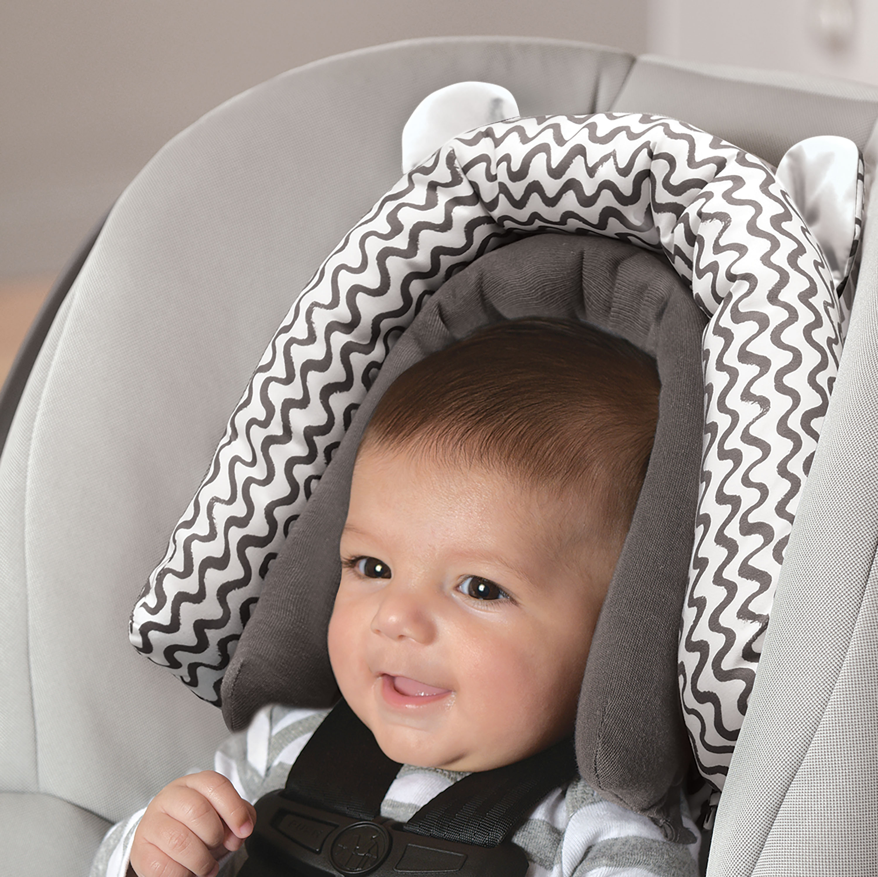 On the Goldbug 2-in-1 Infant Head Support, Grey Squiggle by On the Goldbug