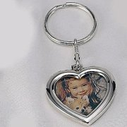 SILVER KEY CHAIN WITH HEART FRME